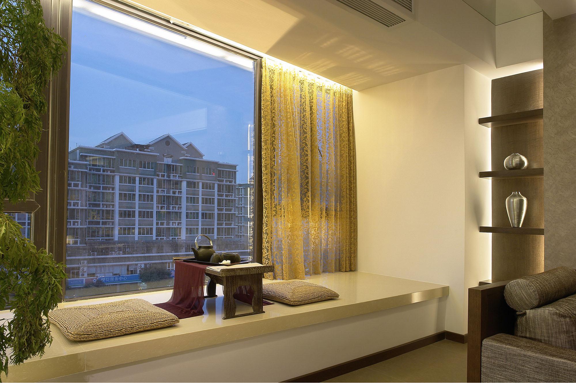 160平现代风格飘窗装修效果图