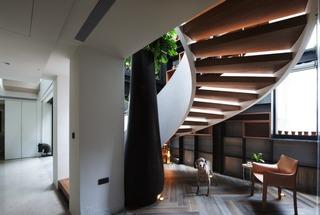 现代风格别墅楼梯间装修效果图