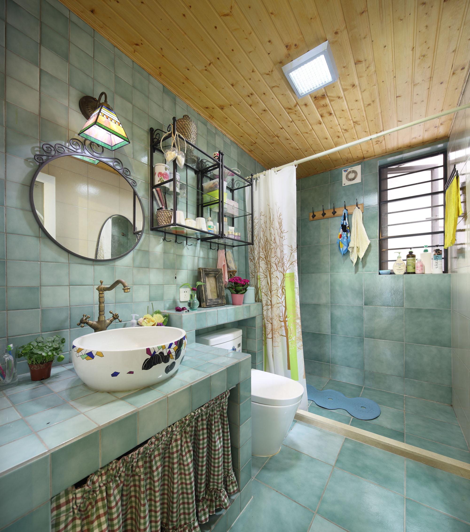 田园风格三居室卫生间装修效果图