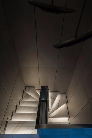 新中式风格别墅楼梯装修效果图