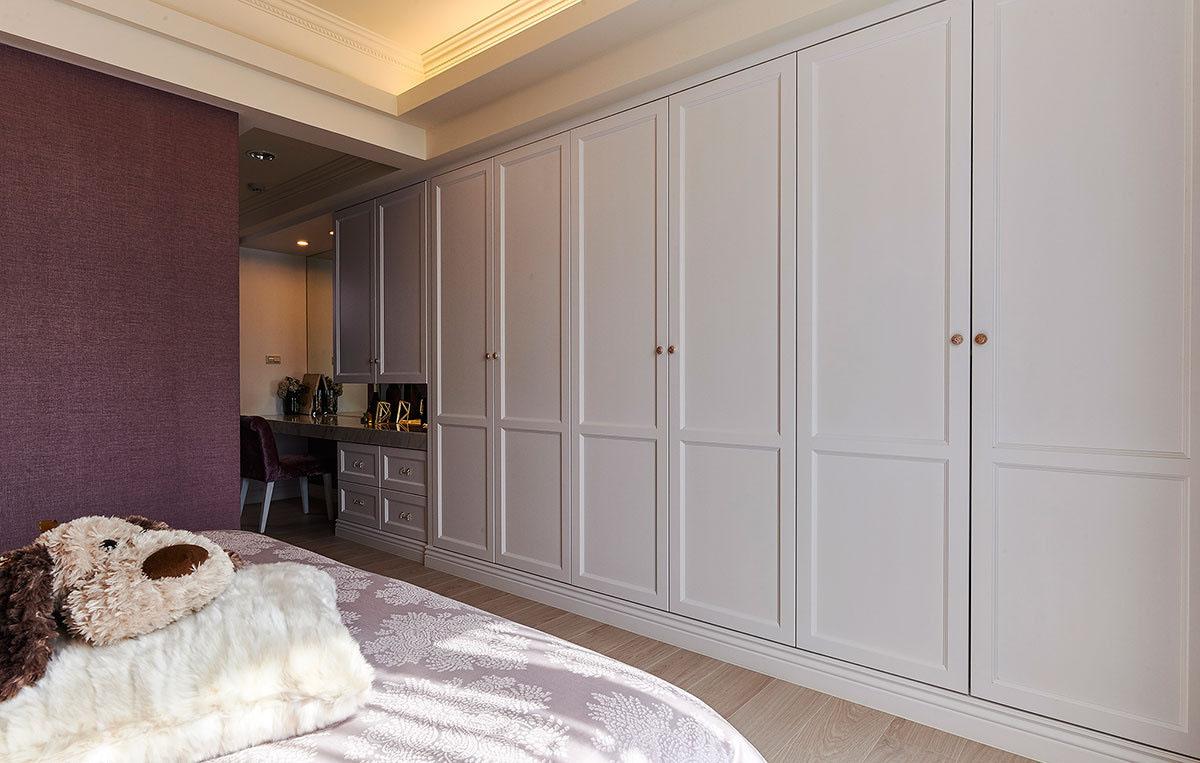 三居室简欧风格卧室衣柜装修效果图
