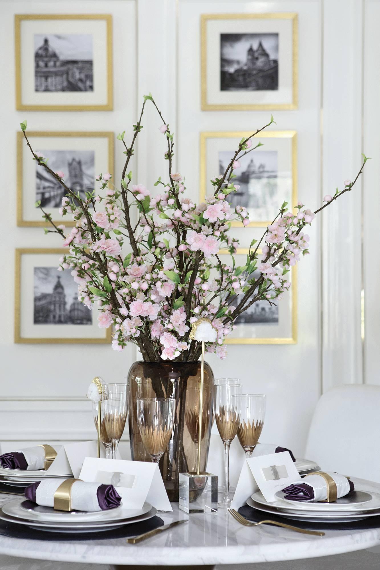 法式优雅轻奢风装修餐桌花饰小景