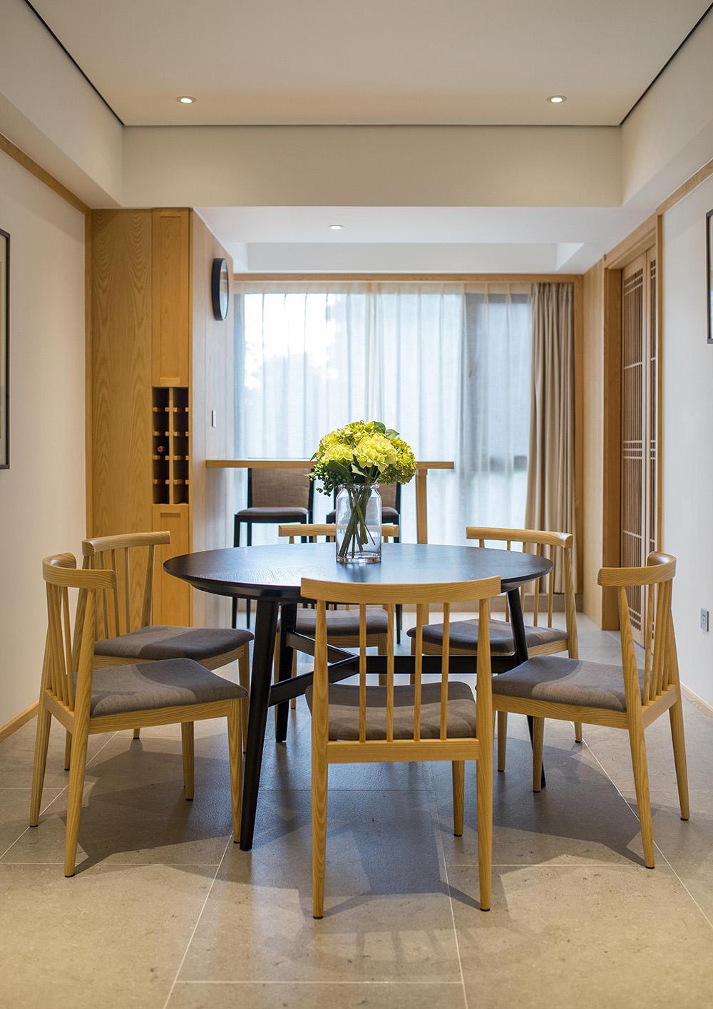 简约中式风格三居餐厅装修效果图