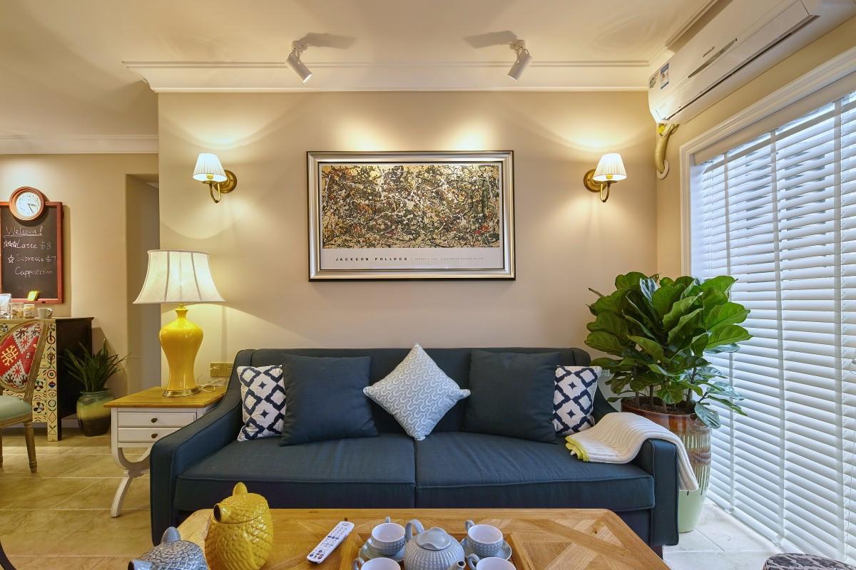 二居室简美风格沙发背景墙装修效果图