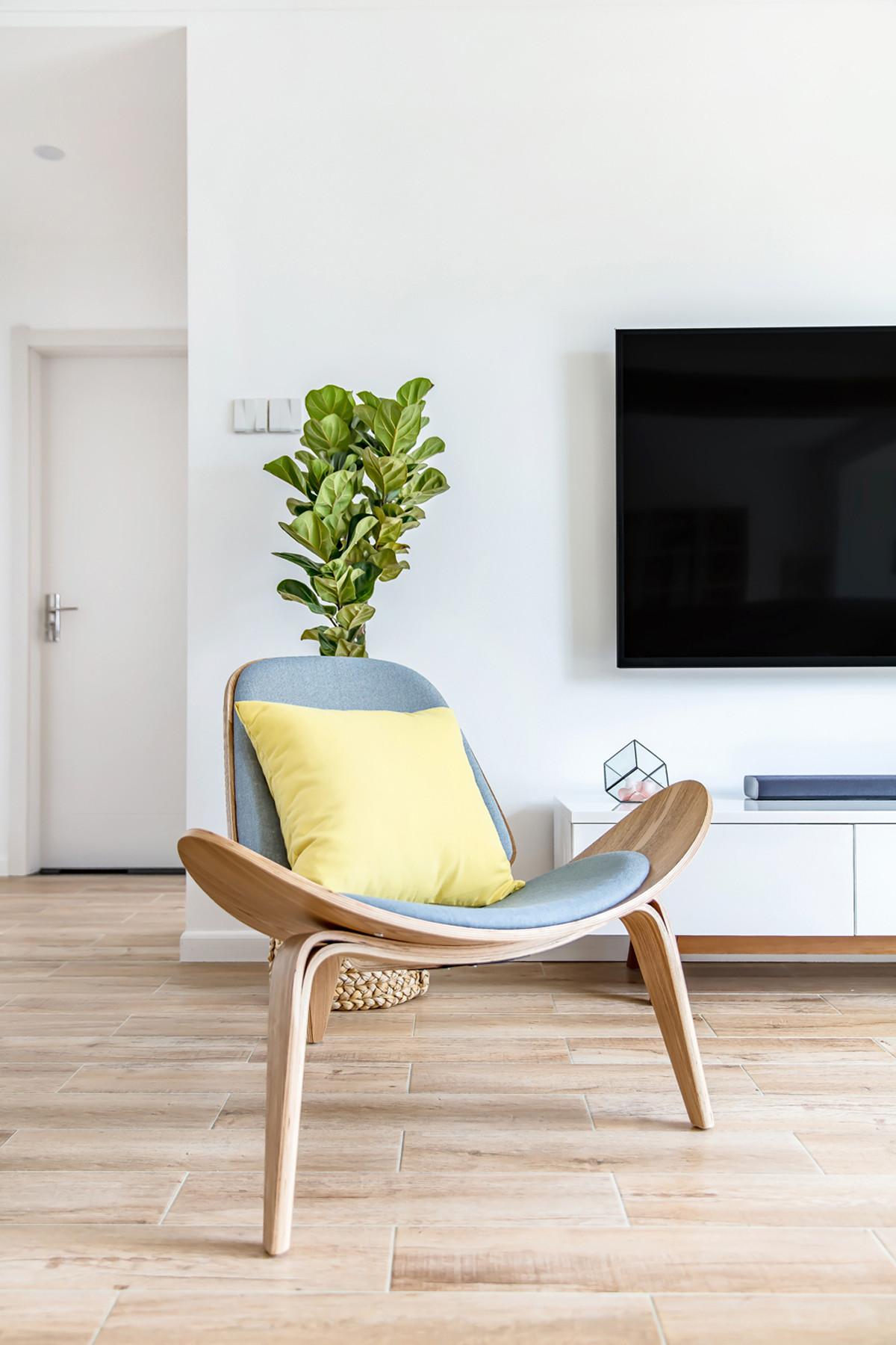 简约北欧风格三居室装修三角椅设计