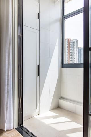 简约北欧风格三居室阳台装修效果图