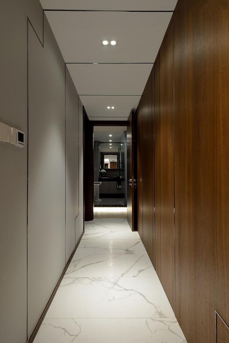200平现代风格走廊装修效果图