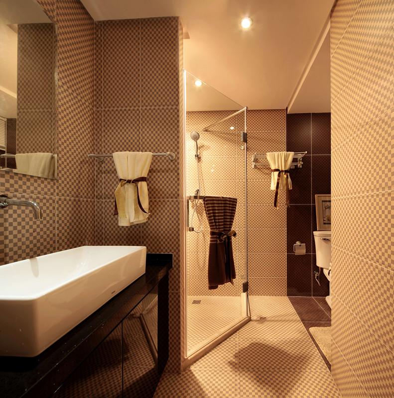 现代简约二居卫生间装修效果图
