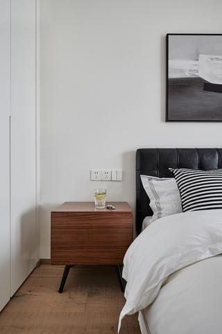 125㎡现代混搭风格装修床头柜设计图