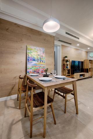 90平北欧风原木色餐厅装修效果图