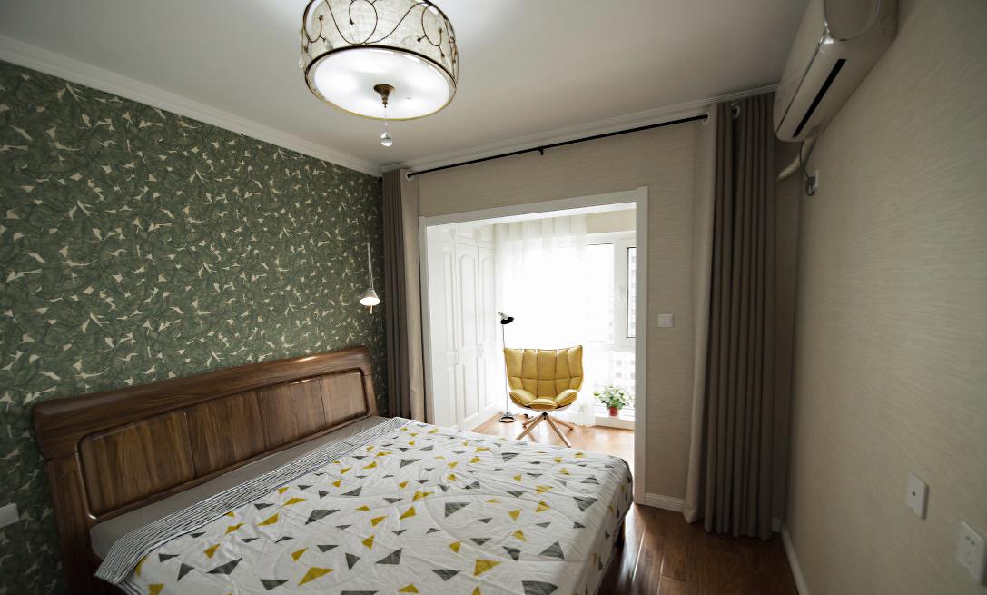 87平米小三居卧室装修效果图