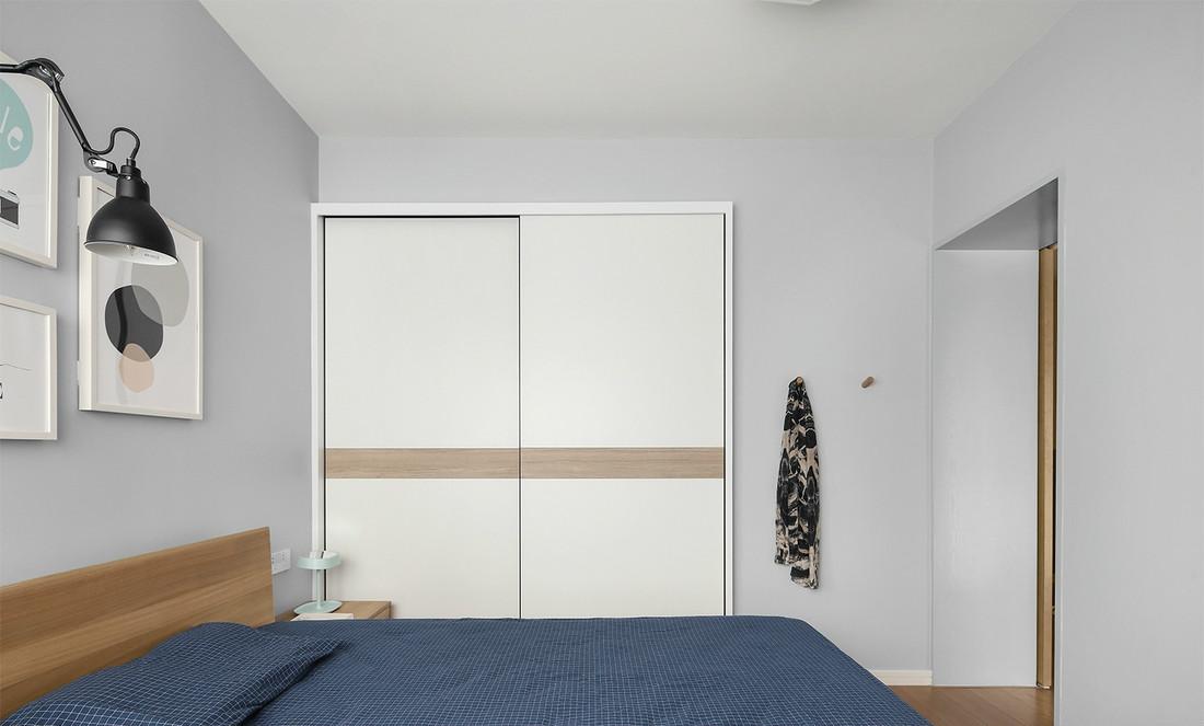 二居室现代北欧风卧室衣柜装修效果图