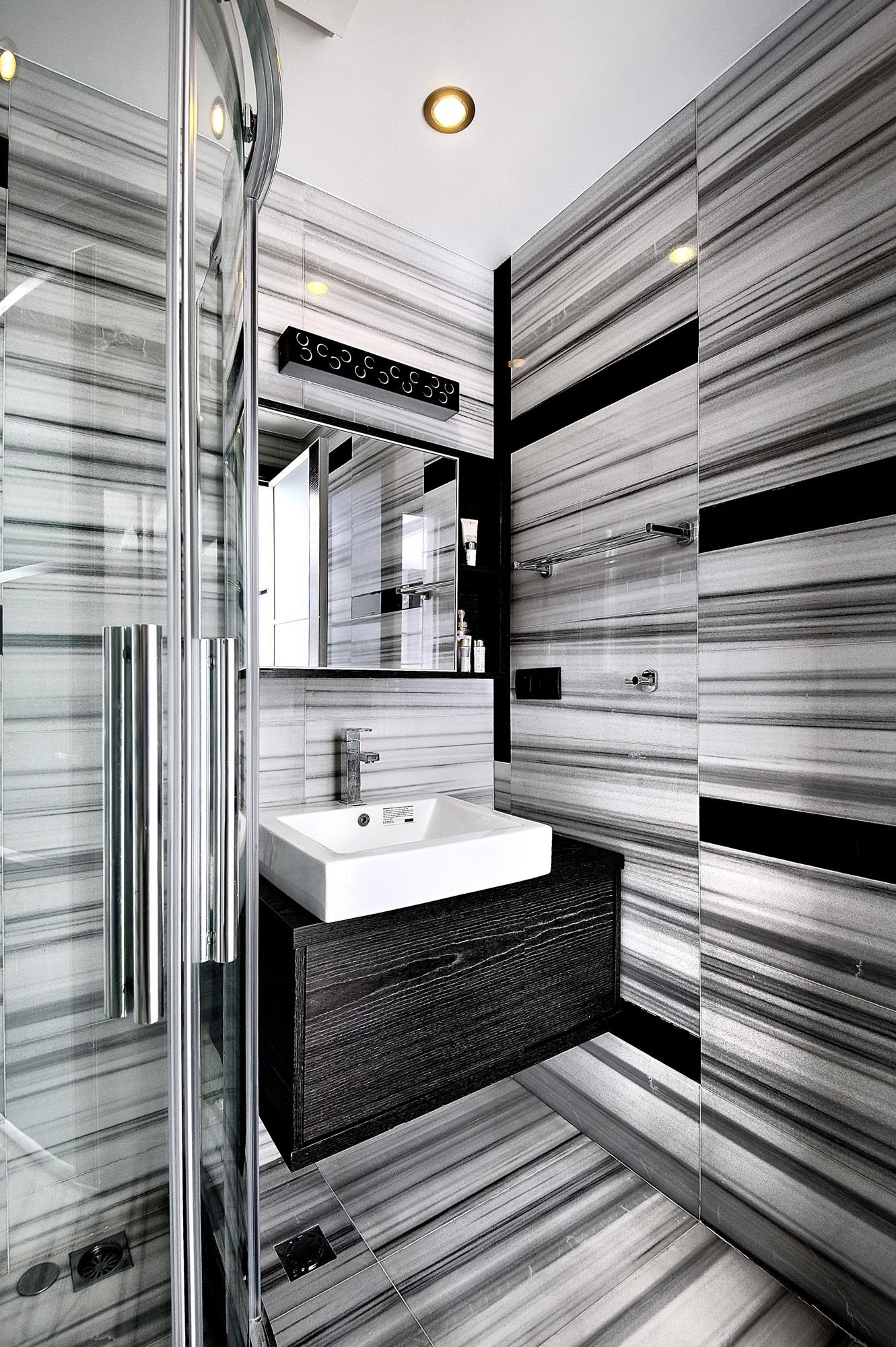现代简约黑白灰卫生间装修效果图