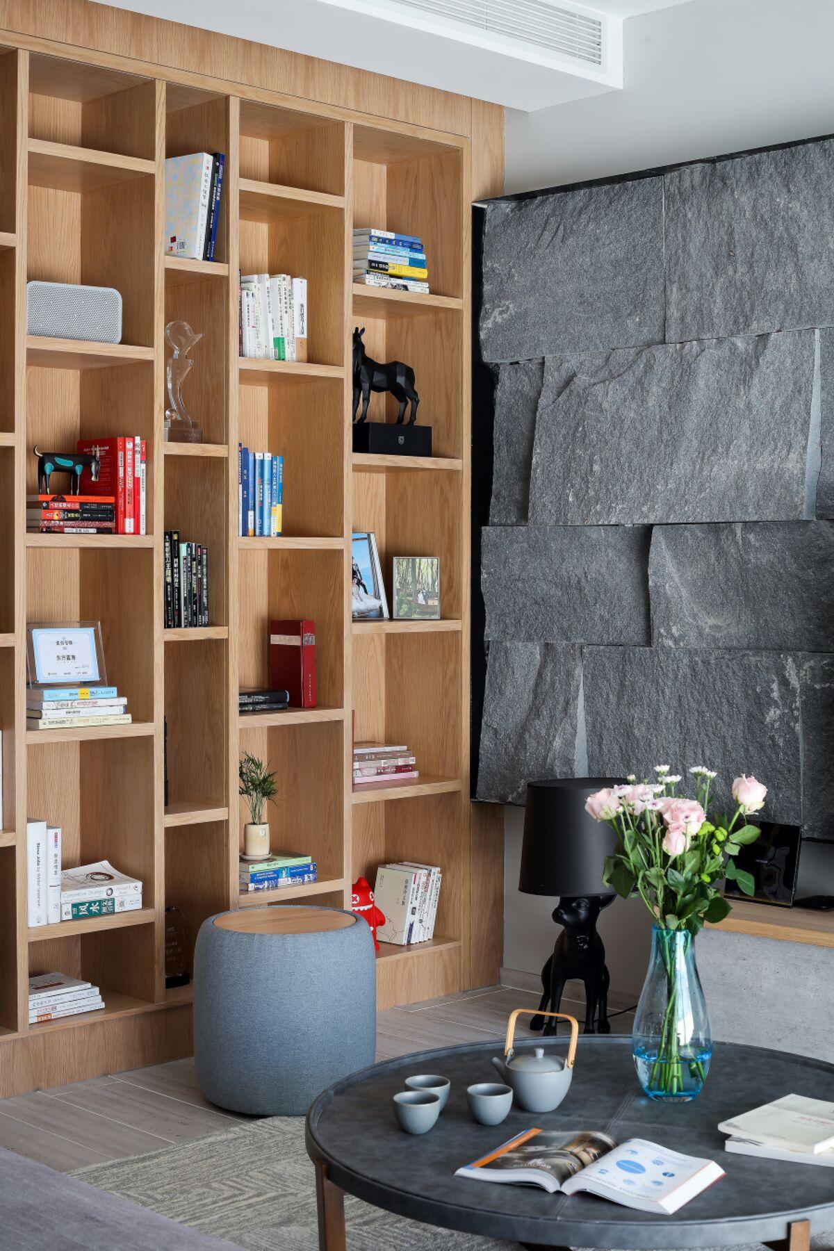 160平现代三居室书架装修效果图