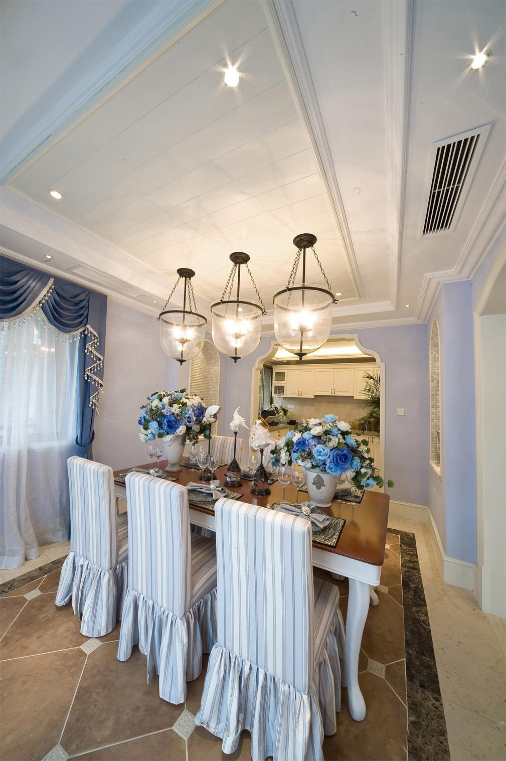 地中海风格别墅餐厅装修设计图