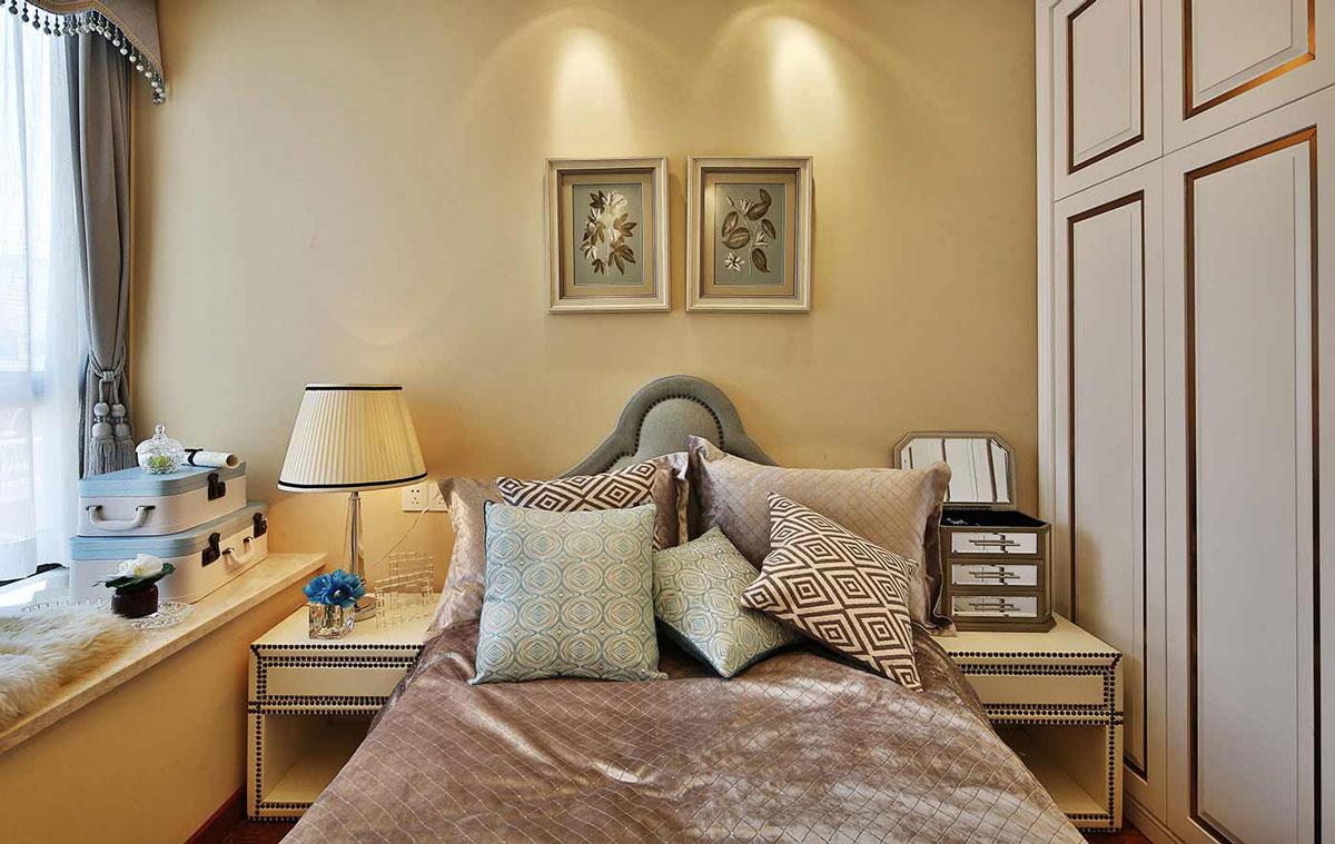 三居室简欧风格卧室装修搭配图