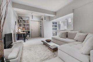 白灰色现代公寓客厅装修效果图