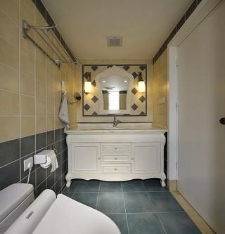 混搭风格三居室卫生间装修设计图