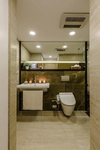 82㎡现代公寓卫生间装修效果图