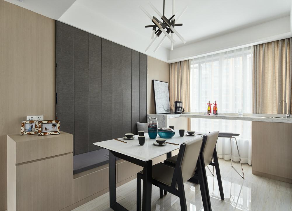 现代简约三居室餐厅装修效果图
