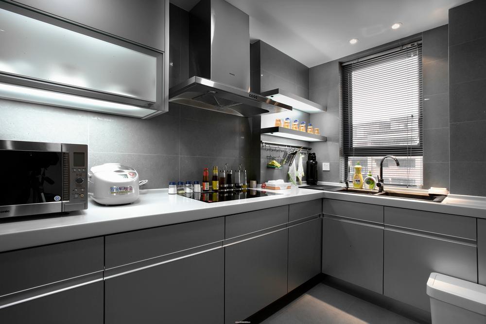 灰色现代简约厨房装修效果图