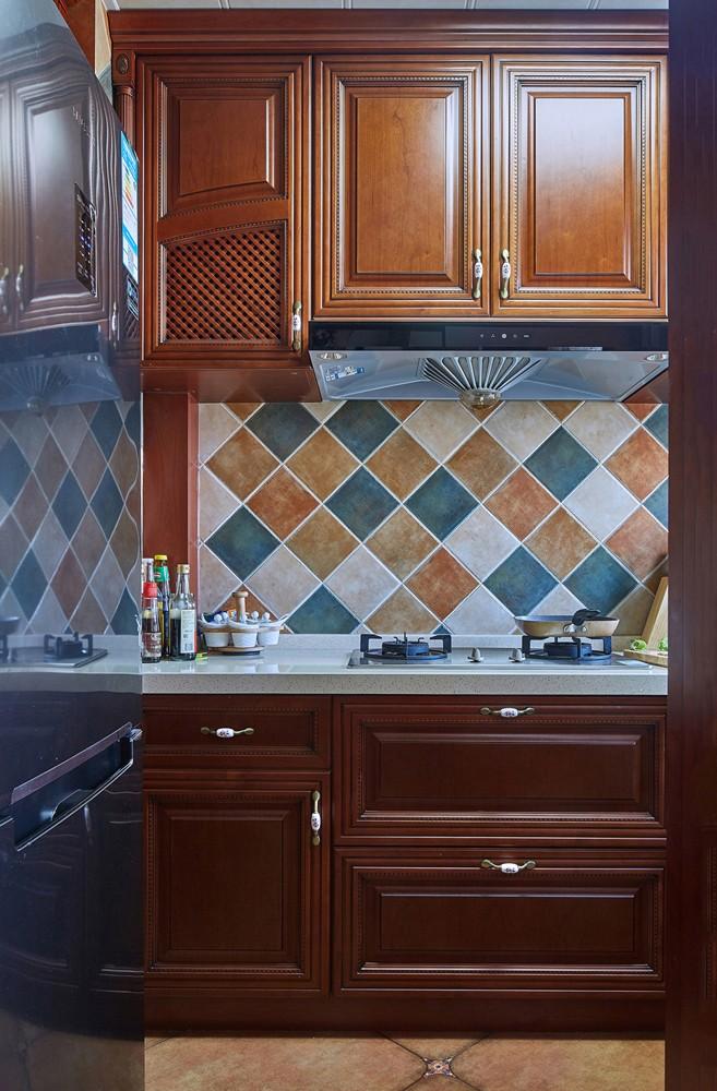 三居室美式乡村风格厨房装修效果图