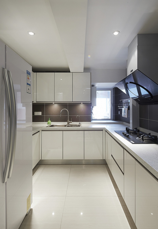 现代简约风格四居厨房装修设计图