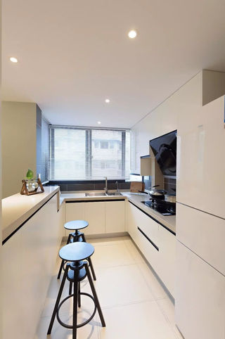 70㎡现代简约风格厨房装修效果图