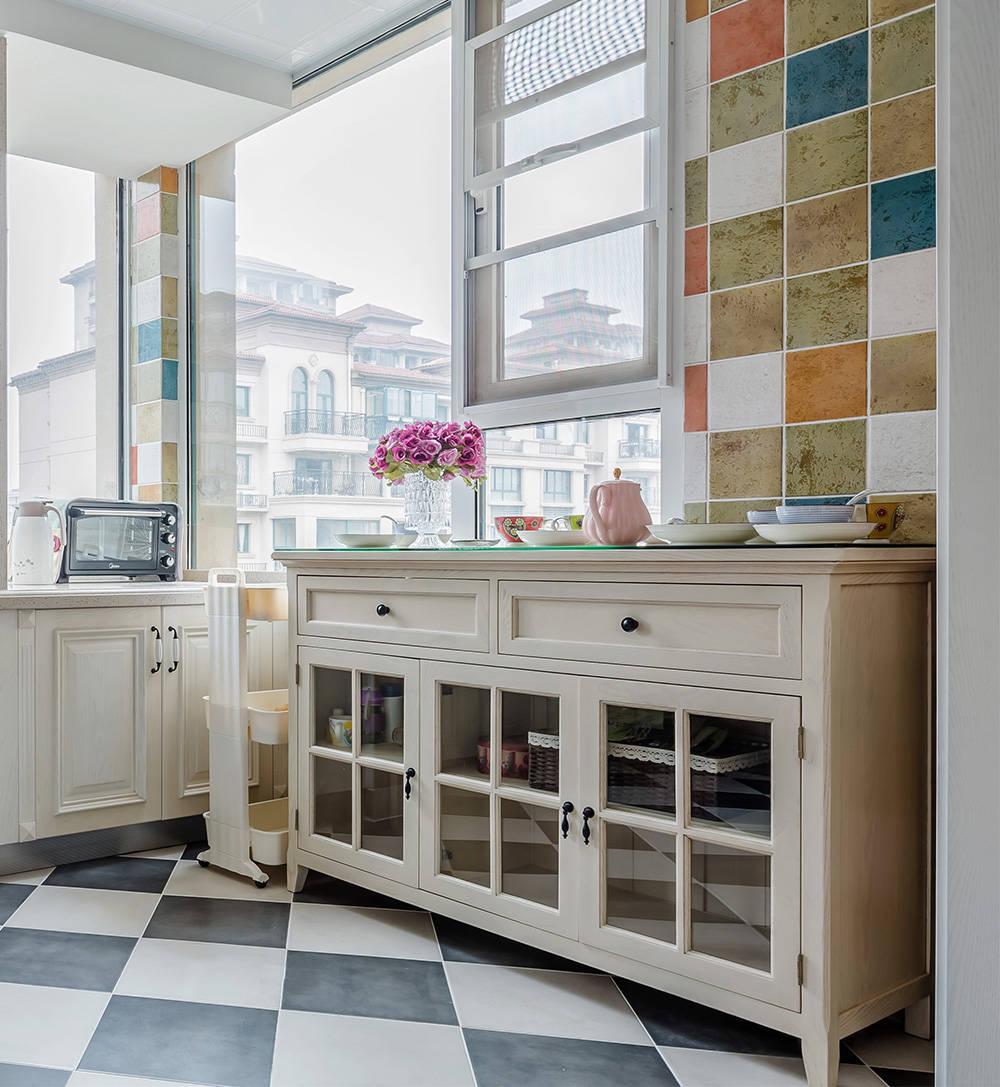 美式风格三居装修橱柜设计效果图