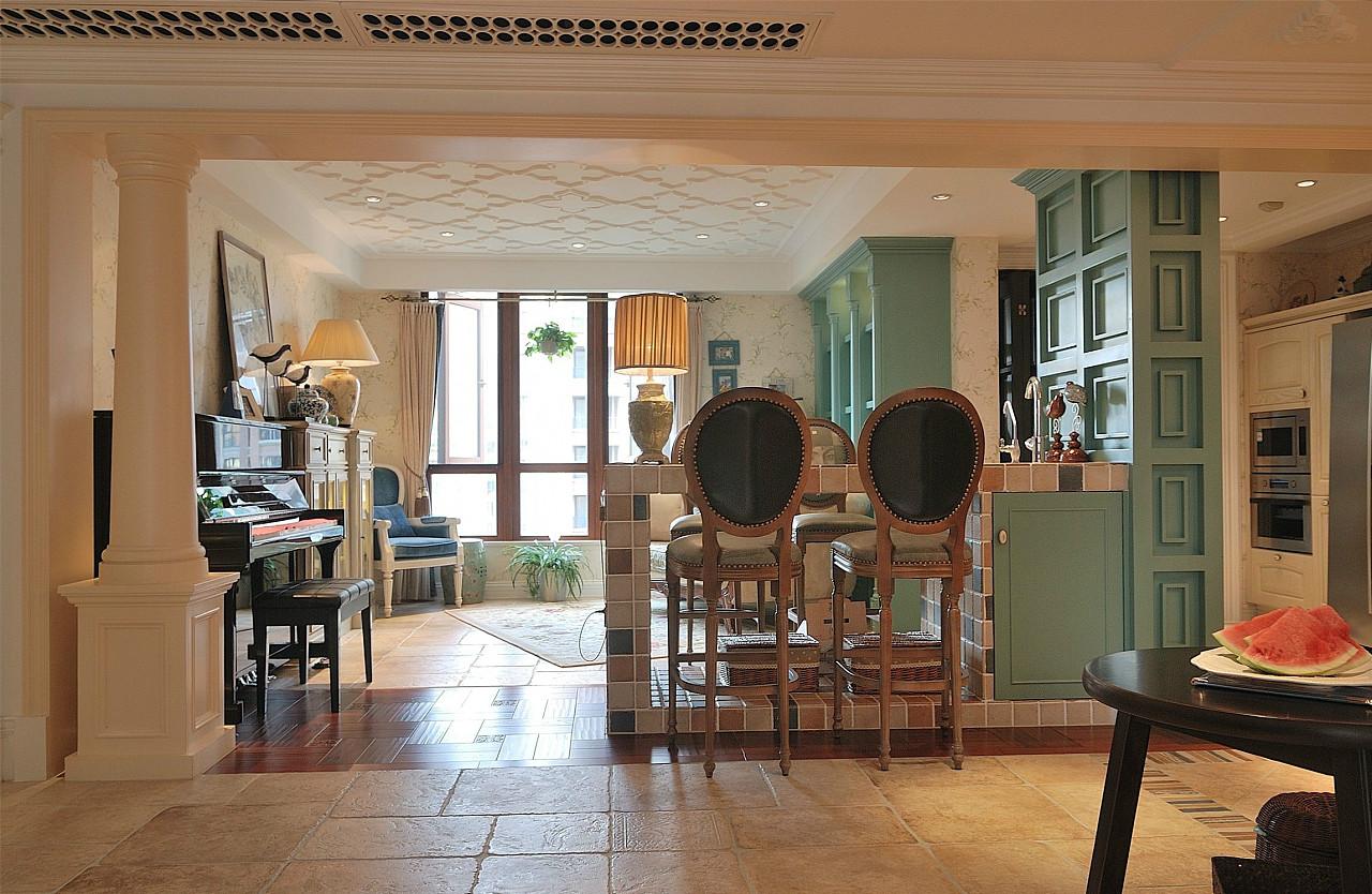 美式风格别墅吧台装修效果图