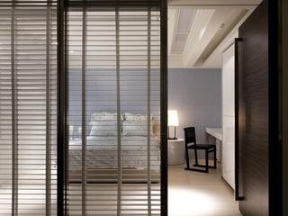 大户型现代简约卧室隔断装修设计图
