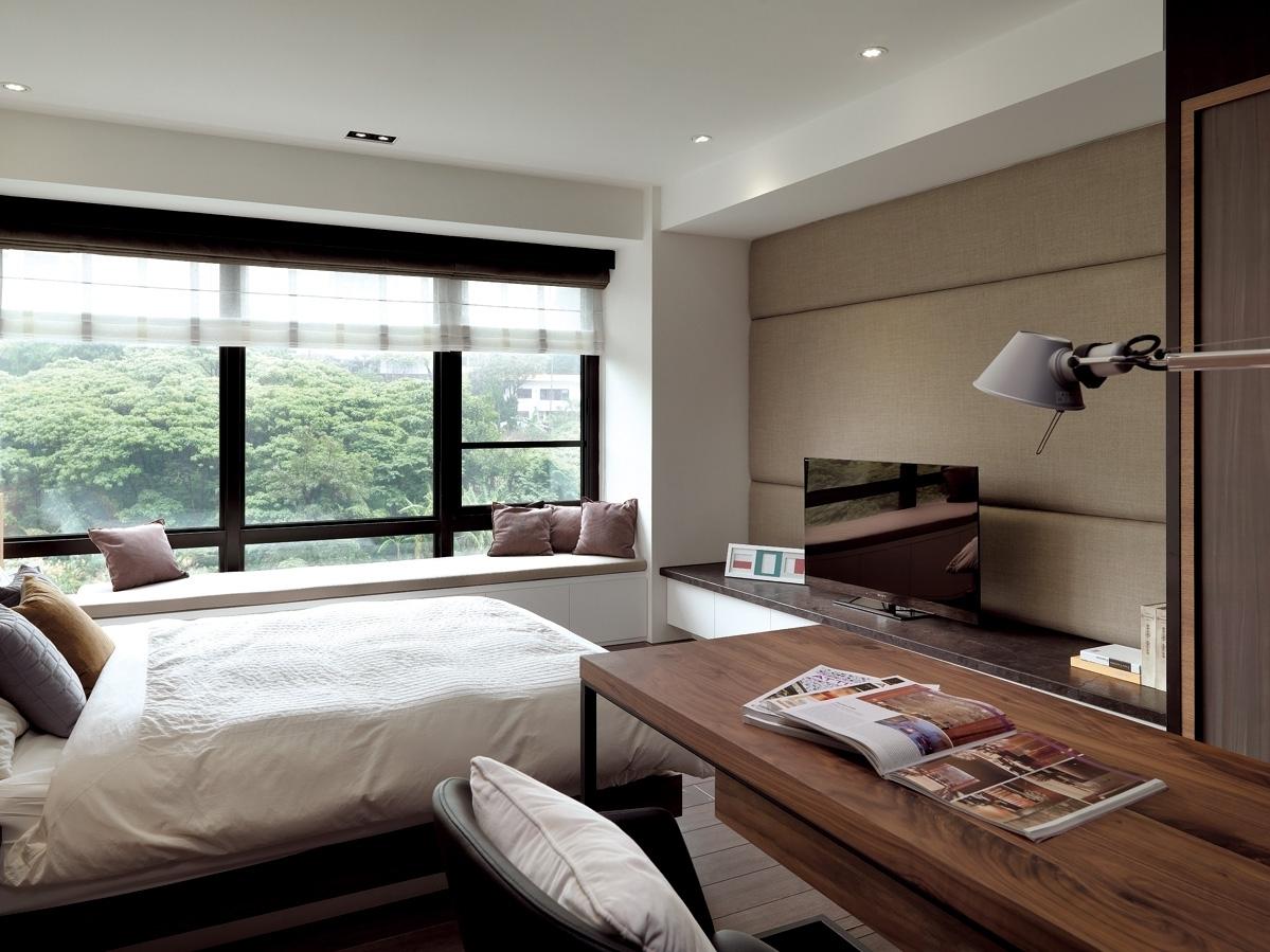 大户型现代混搭卧室飘窗装修效果图