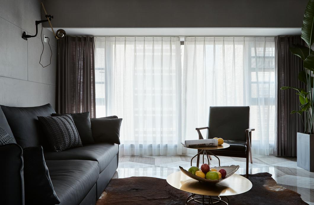 高级灰现代风两居装修窗帘设计图