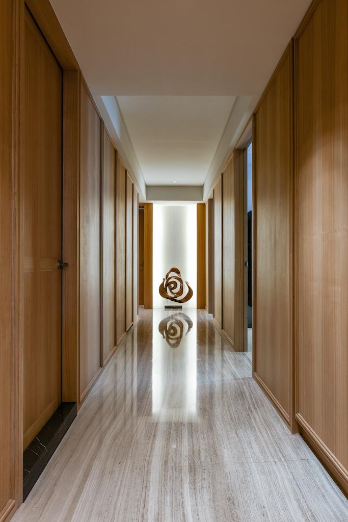 大户型现代风走廊装修效果图
