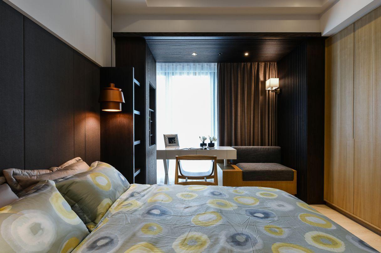 大户型现代风卧室装修设计图