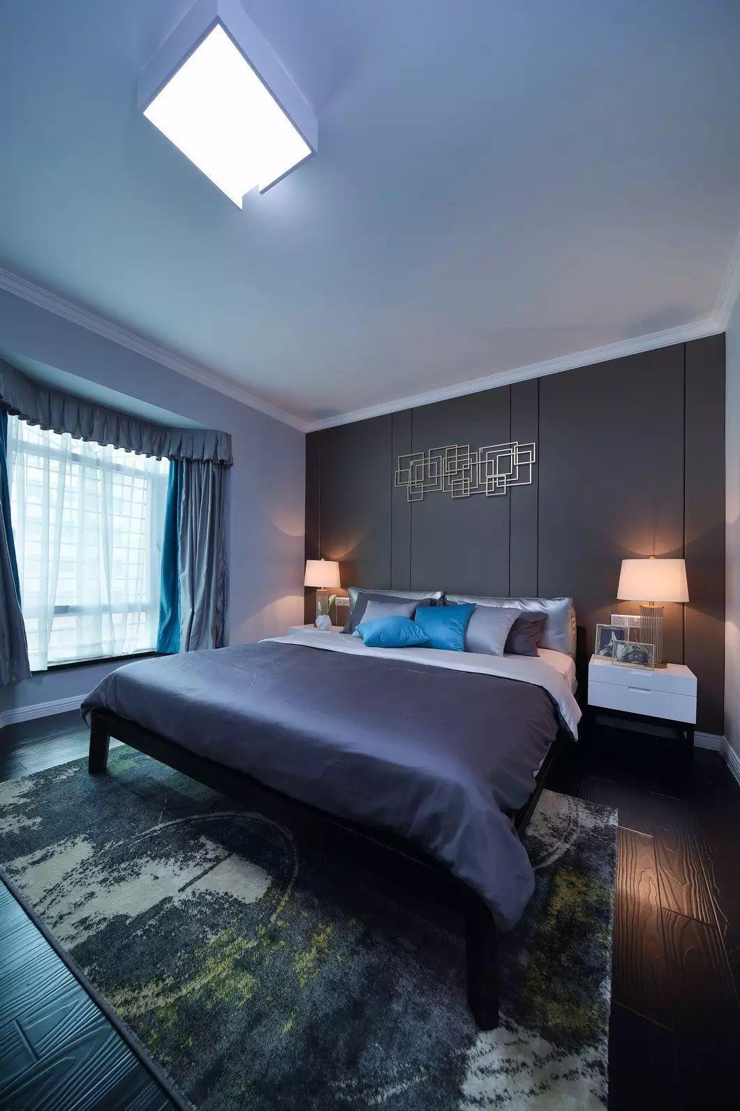 三居室现代简约卧室装修设计图