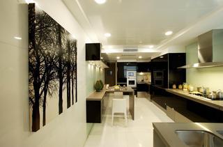 简约现代复式别墅厨房装修效果图