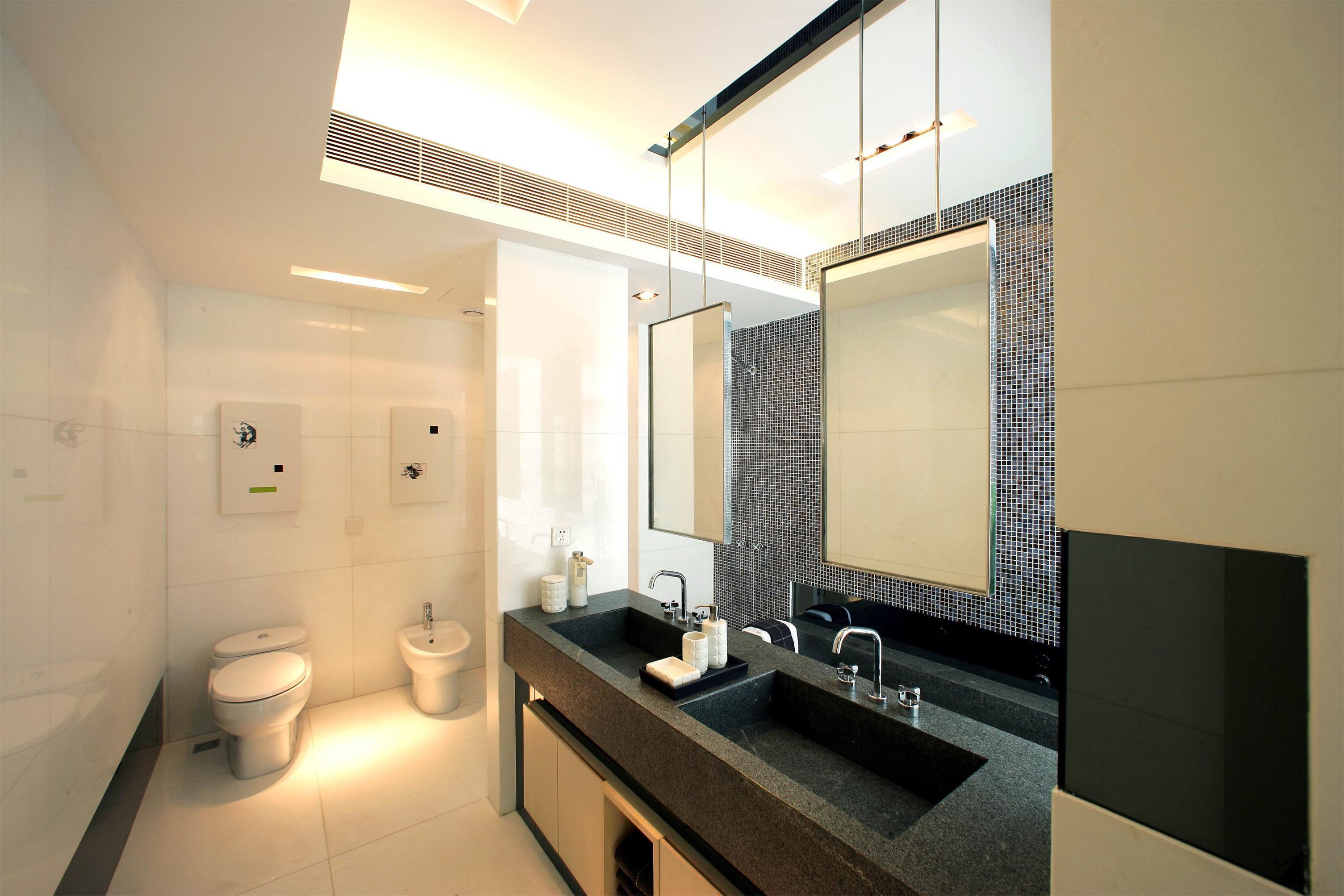 简约现代复式别墅卫生间装修效果图