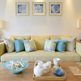 清新美式风三居装修沙发设计图