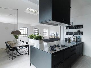 黑白简约现代公寓厨餐厅装修效果图