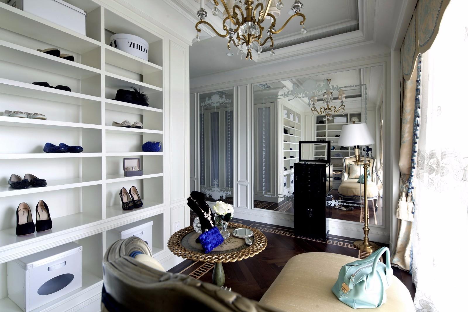 法式古典别墅衣帽间装修效果图