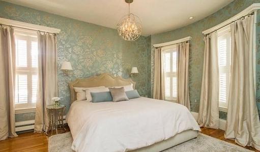 卧室墙颜色搭配技巧 卧室墙面用什么材料好