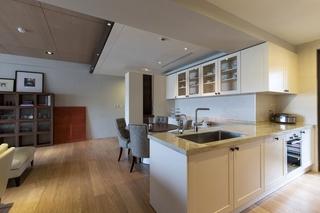 现代台式公寓厨餐厅装修效果图