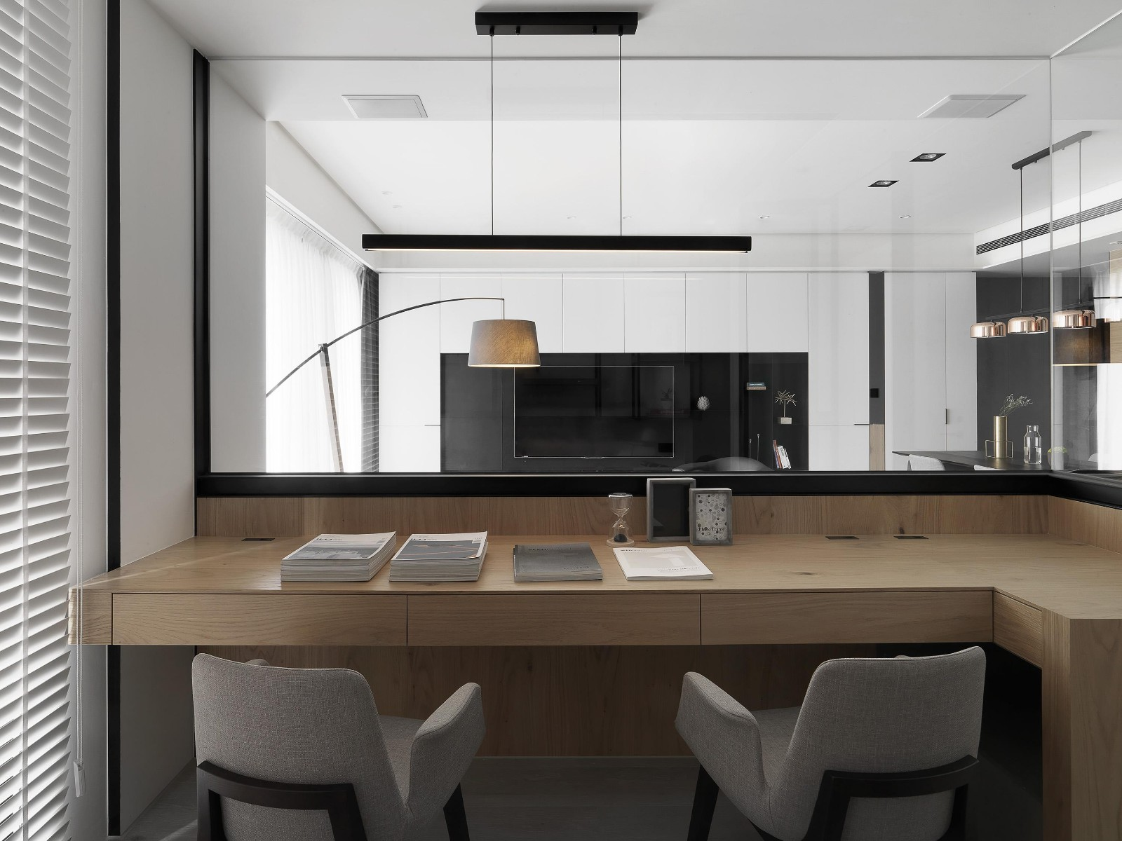 现代风三居书房装修效果图