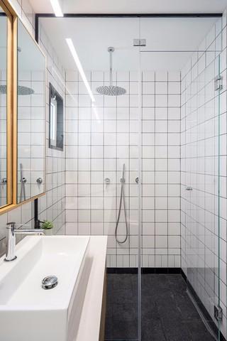 53㎡简约公寓卫生间装修效果图