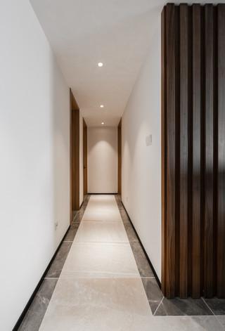 大户型现代简约风走廊装修效果图