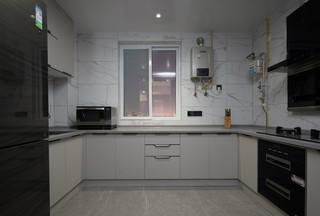 现代简约风三居室厨房装修效果图