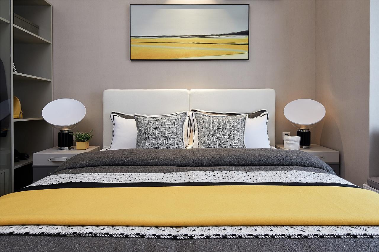 80㎡现代简约卧室装修效果图