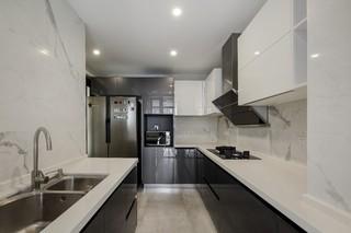 现代简约三居厨房每日首存送20