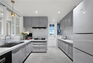 美式轻奢三居室厨房装修效果图